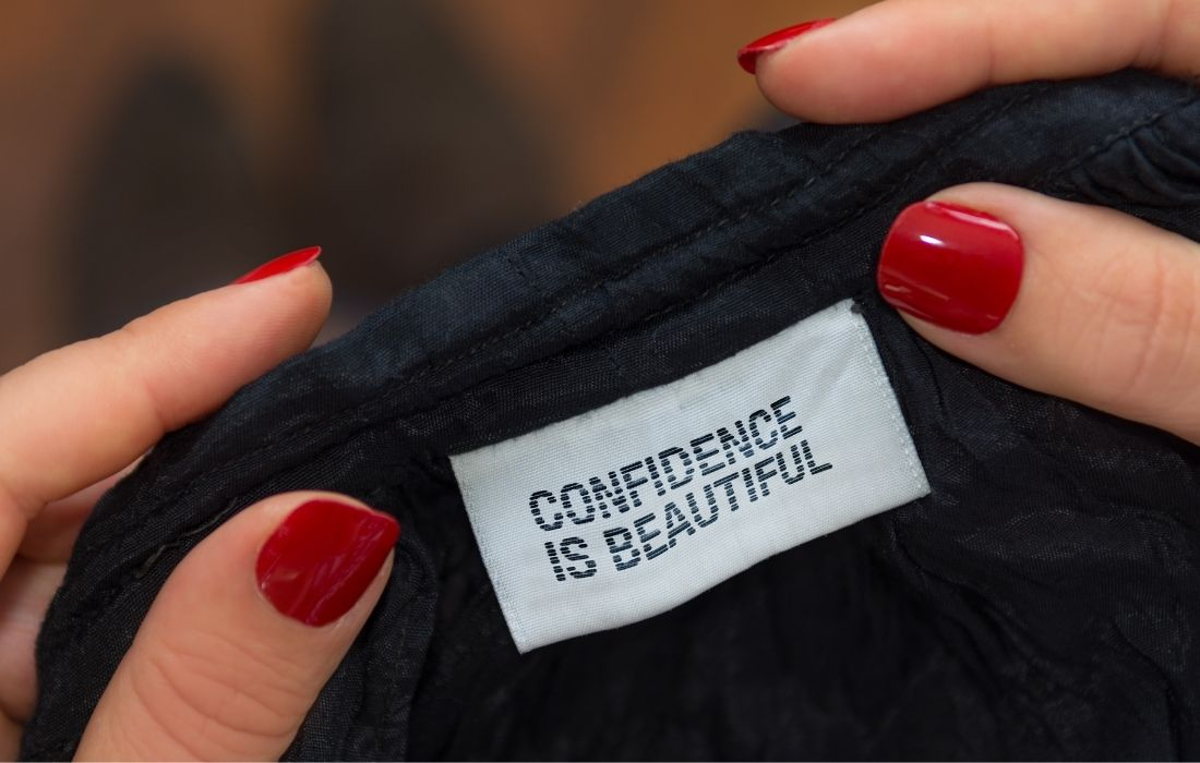 plus size clothes with plus size fashion tips - tag that says confidence is beautiful